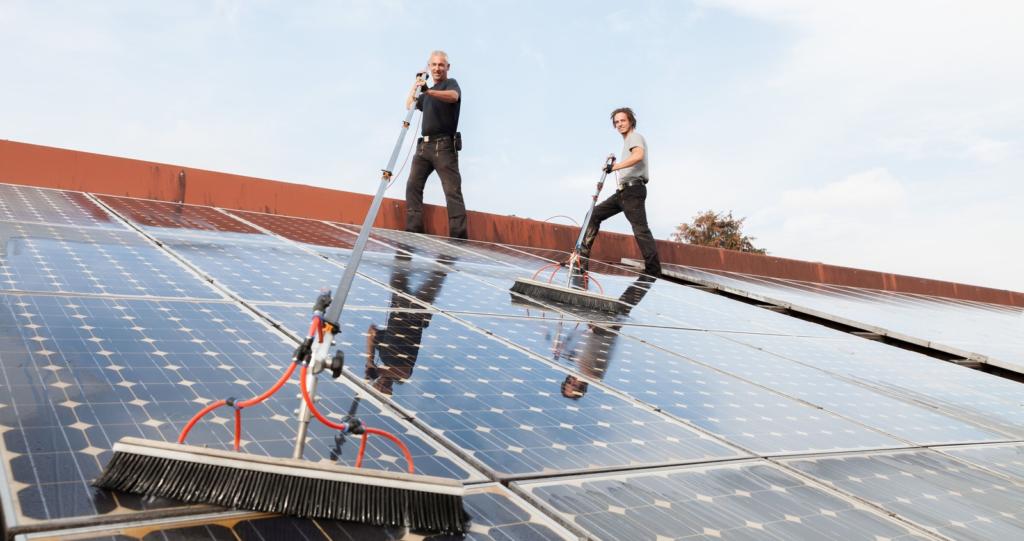 Уборка солнечных батарей